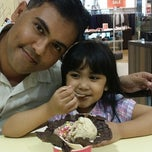 Photo taken at Marble Slab Creamery by Aziz A. on 1/3/2015
