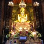 Photo taken at วัดบวรนิเวศวิหารฯ (Wat Bowon Niwet) by Arun S. on 12/2/2012