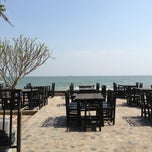 Photo taken at อยู่เย็น (You Yen Hua Hin Balcony) by PUPidizer U. on 1/5/2013