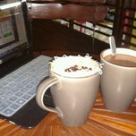 Photo taken at Djendelo Koffie by Dina S. on 10/20/2012