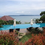 Photo taken at Sea Breeze @ Koh Mak by Tun S. on 5/9/2013
