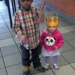 Photo taken at Burger King by Kita R. on 11/16/2013