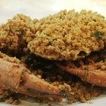 Photo taken at Sampan Seafood by iLLa on 2/25/2014