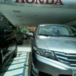 Photo taken at Honda Nova Luz by Jéssica T. on 3/13/2013