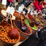 Photo taken at Borough Market by Inno O. on 12/29/2012