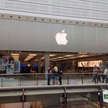 Photo taken at Apple Store, Manchester Arndale by Jean-Marie B. on 5/22/2013
