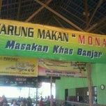Photo taken at RM Mona masakan Banjar by Agung A. on 9/27/2012