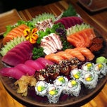 Photo taken at Sushi Papaia by Ygor F. on 11/16/2012