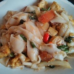 Photo taken at Thai Curry Simple by Samson N. on 7/15/2013