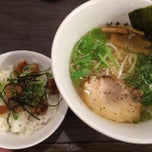 Photo taken at 牛骨ラーメン 香味徳 by JeanPaul on 10/16/2013