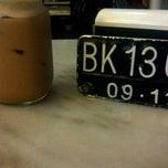 Photo taken at QQ Kopitiam by Aulia K. on 10/19/2012