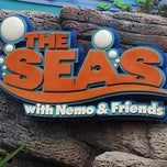 Photo taken at The Seas with Nemo & Friends by Guilda G. on 10/8/2012