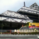 Photo taken at National Library (Perpustakaan Negara) by Vince L. on 11/25/2012