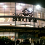 Photo taken at AEON Bukit Indah Shopping Centre by Azreen J. on 9/17/2013