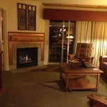 Photo taken at Lakeside Terrace Villas, Avon / Vail Valley by Keila on 12/14/2012