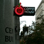 Photo taken at Cherry Street Coffee House by Catarina L. on 10/17/2014