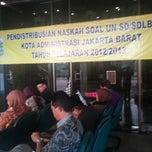Photo taken at sudin dikdas jakarta barat by Jefri B. on 5/3/2013