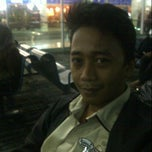Photo taken at Gate 2-3 Bandara Int'l Sultan Hasanuddin by Shandy P. on 6/25/2013