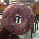Photo taken at Dunkin Donuts by riqui on 3/27/2013