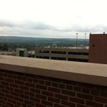 Photo taken at Syracuse University College Of Law by Charlotte F. on 7/12/2011