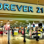 Photo taken at Forever 21 by Jessika . on 6/10/2012