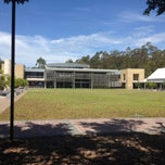 Photo taken at University of Newcastle (Central Coast Campus) by ✨Kathy✨💞 on 12/9/2013
