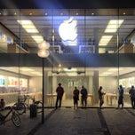 Das Foto wurde bei Apple Store, Rosenstraße von Pavlo V. am 6/16/2013 aufgenommen