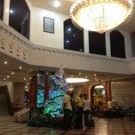 Photo taken at Royal Benja Hotel by Krismarkova on 12/7/2012