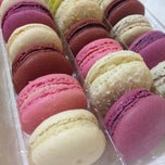 Photo taken at French Bakery | المخبز الفرنسي by JD P. on 10/19/2013