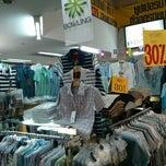 Photo taken at วรวัฒน์พานิชย์ Worawat Department Store by Kanok L. on 9/7/2013