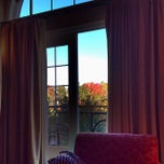 Photo taken at Le Westin Resort & Spa, Tremblant, Quebec by Mayumi I. on 9/29/2013