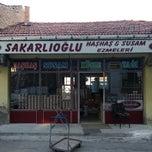 Photo taken at Sakarlıoğlu Haşhaş Ve Susam Ezmesi by Ömer T. on 7/30/2013