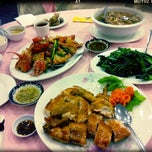 Photo taken at East Harbor Seafood Palace (迎賓大酒樓) by samantha s. on 9/21/2012