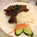Photo taken at Lee Kam Kee Vietnamese Restaurant 李錦基越南餐廳 by Smile on 2/19/2014