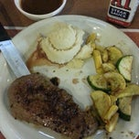 Photo taken at Denny's by Humberto R. on 2/22/2014