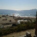 Photo taken at Praia de Fortiñón by Lilizu on 6/1/2014