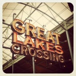 Photo taken at Great Lakes Crossing Outlets by Eva T. on 9/23/2012