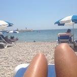 Photo taken at Playa de Mascarat Sur / La Barreta by Natalia on 8/11/2014
