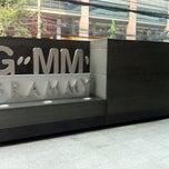 Photo taken at GMM Grammy Place (อาคาร จีเอ็มเอ็ม แกรมมี่ เพลส) by noom_niti on 2/5/2013