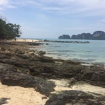 Photo taken at Phi Phi Sand Sea View Resort by Михаил Ч. on 12/29/2014