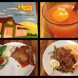 Photo taken at Restaurant Happy Day by NWP on 11/17/2013