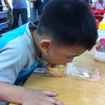 Photo taken at Yi Heng Food Court by Jimmy Ali on 8/23/2013