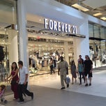 Photo taken at Forever 21 by Cezanne D. on 6/2/2013