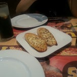 Photo taken at Pizza Hut by Daniel C. on 10/13/2012