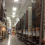 Photo taken at Lowe's Home Improvement by Ash F. on 10/20/2012