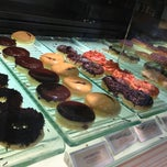 Photo taken at J.Co Donuts & Coffee by Nora A. on 8/30/2013