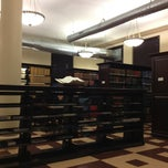 Photo taken at Geology Library, Columbia University by Yunji on 12/18/2012