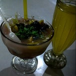 Photo taken at Warung Penyet Si Boy by Hida W. on 8/24/2013