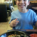 Photo taken at Zaxby's by Felix M. on 10/22/2012