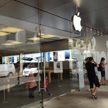 Photo taken at Apple Store by Daniel C. on 3/22/2013